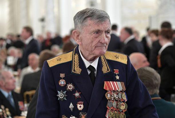 Путин направил соболезнования родным и близким Героя Советского Союза Сергея Крамаренко
