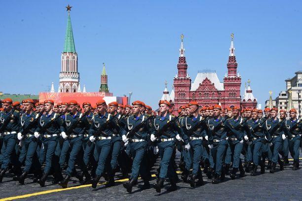 Ни один участник парада Победы на Красной площади не заболел COVID-19