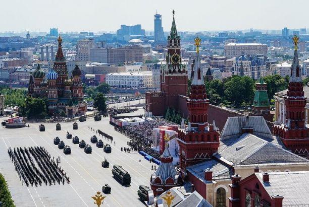 Военный парад на Красной площади смотрели почти 17 миллионов россиян